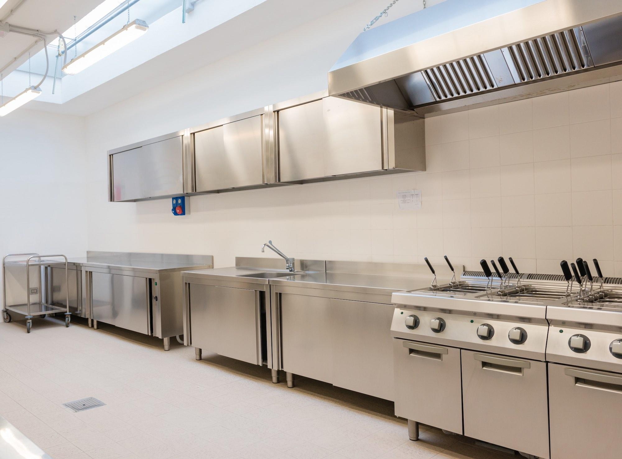 Gewerbliche Küche Auflagen   Luftungen Hagro
